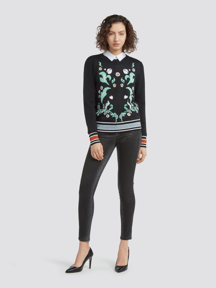 Floral-wool-blend-pullover_TRUSSARDI-JEANS_50_07_8057735599608_L