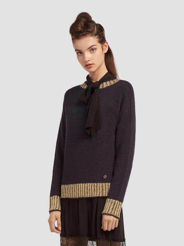 Stretch-mohair-pullover-with-round-neck_TRUSSARDI-JEANS_50_01_8057735598502_F